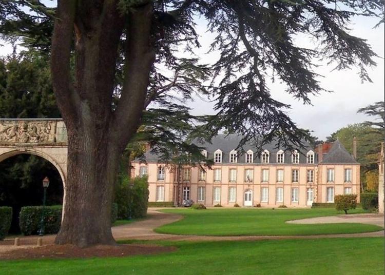 Autour Du Château à Fontaine la Guyon