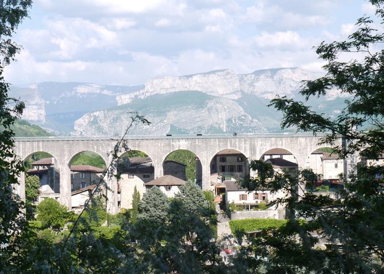 Bal Sur L'aqueduc à Saint Nazaire en Royans