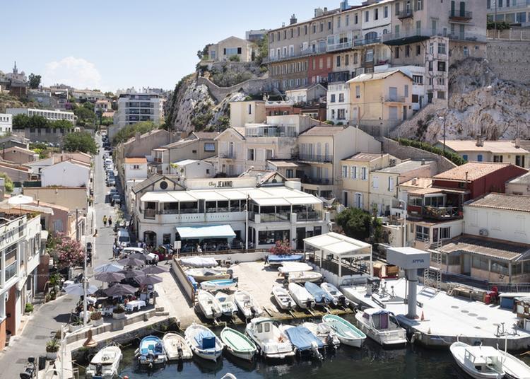 Balade Sur La Corniche : Un Balcon Sur La Mer à Marseille