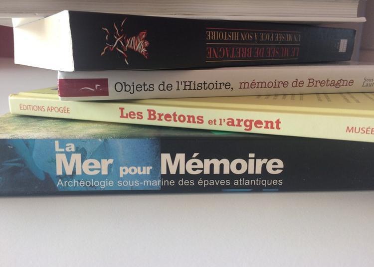 Braderie Des Éditions Du Musée De Bretagne Et De La Bibliothèque Des Champs Libres à Rennes