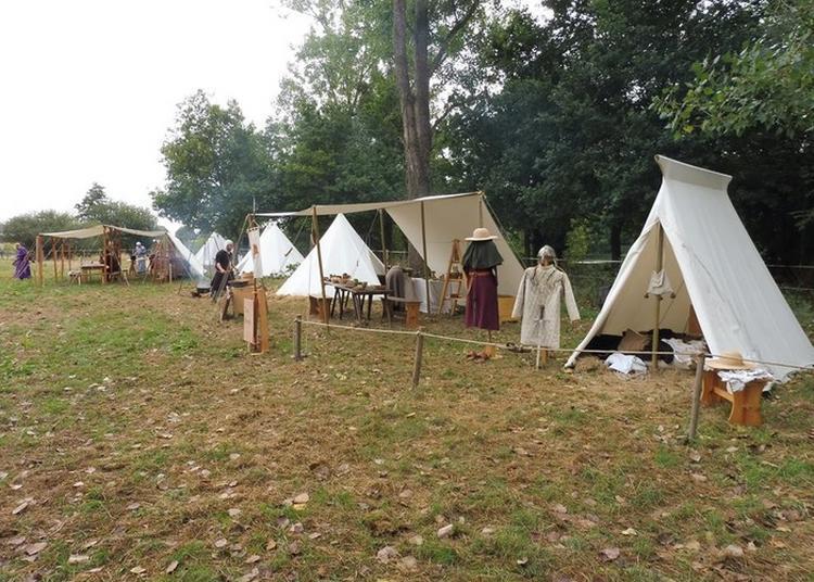 Camp Médiéval Et Démonstrations Par La Compagnie Nocte Tenebris à Hambye