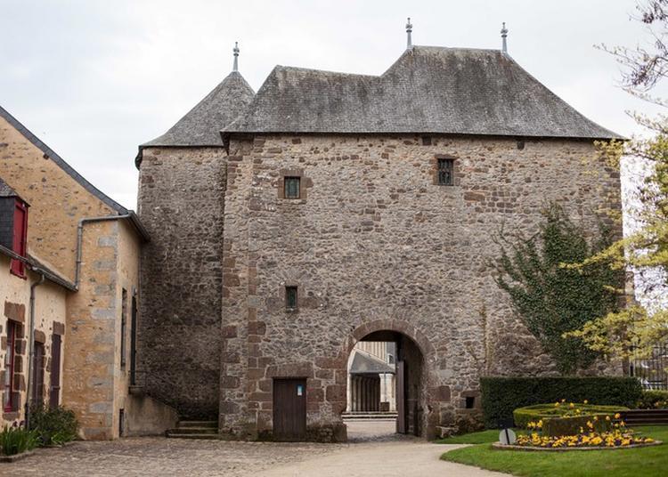 Château De Fresnay à Fresnay sur Sarthe