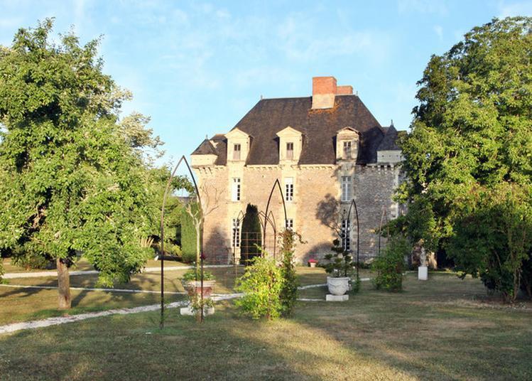 Château De La Fresnaye à Saint Aubin de Luigne