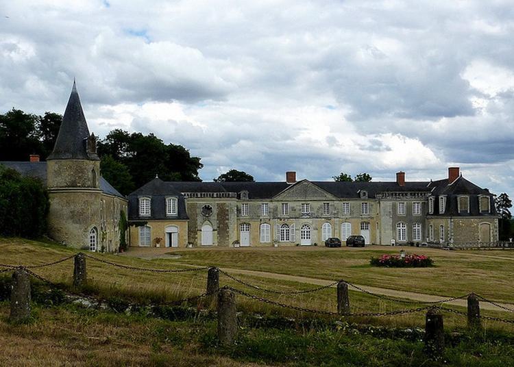 Château Du Plessis Greffier à Huille