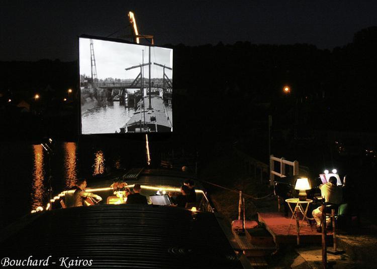 Ciné-concert En Plein-air Sur Péniche : Une Femme A Passé à Longueil Annel
