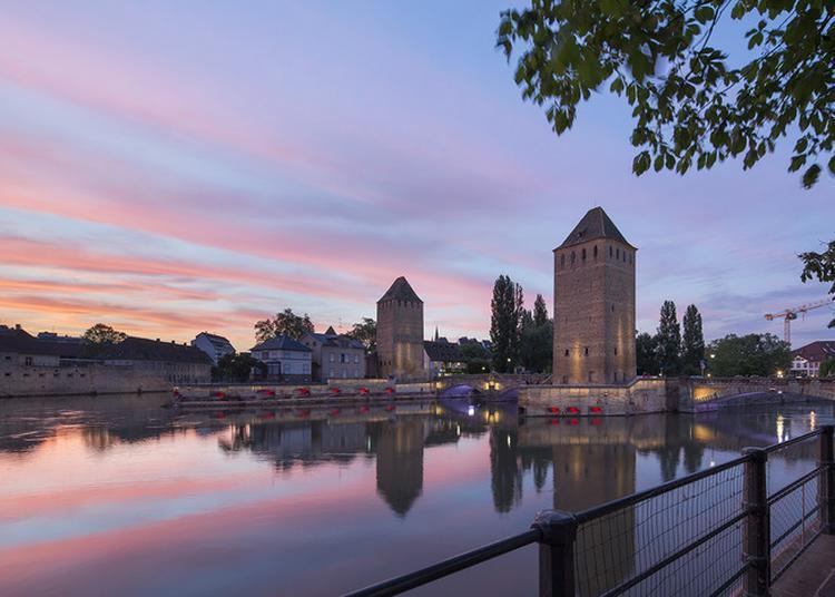 Circuit Au Fil De L'eau : Découverte Du Paysage Des Quais Sud De La Grande-île à Strasbourg