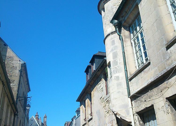 Circuit Histoire Des Rues Et Ruelles De La Cité... à Laon
