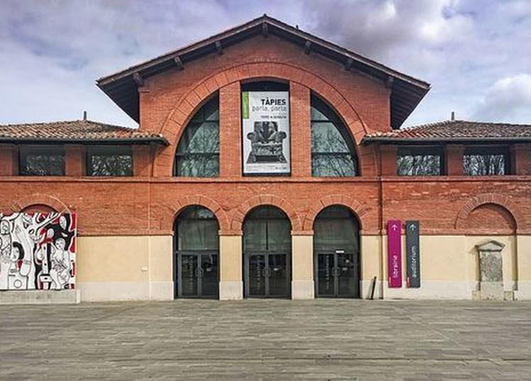 Circuit Promenade Autour Des Abattoirs. L'histoire D'une Réhabilitation à Toulouse