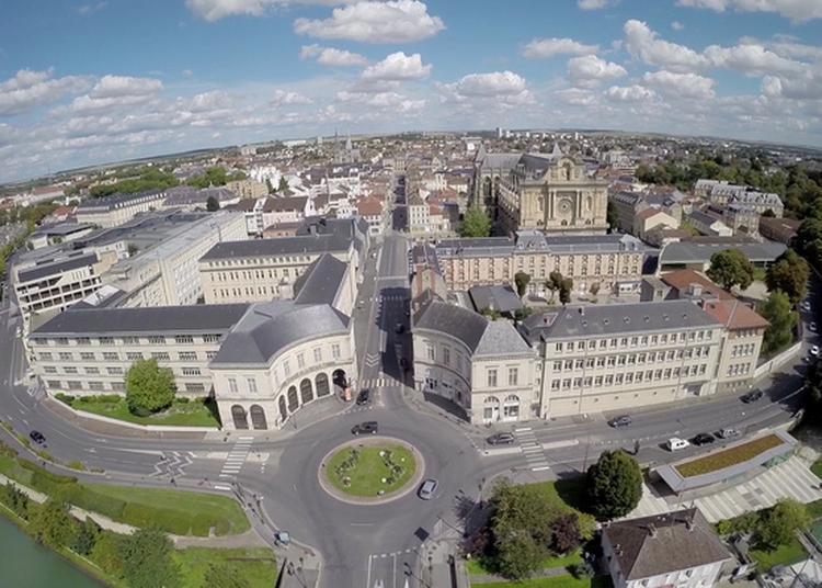Cluedo Géant À Travers La Ville Et Ses Monuments à Chalons en Champagne