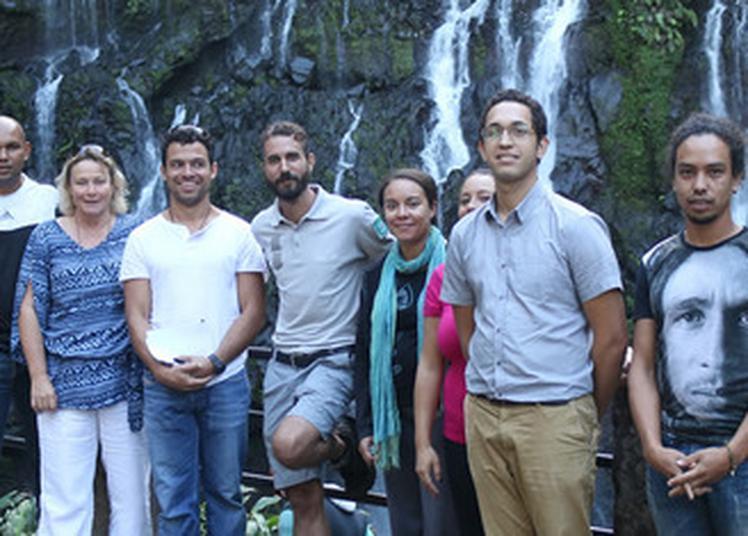 Comment Devenir Un Guide De La Réunion Et Partager Sa Passion Du Patrimoine ? à Petite Ile