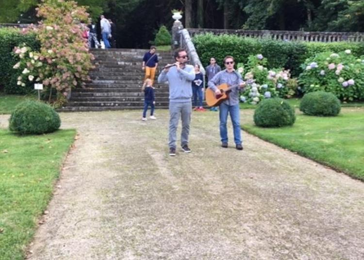 Concert Ambulant Du Groupe Laridenn - Château De Lesquiffiou à Pleyber Christ