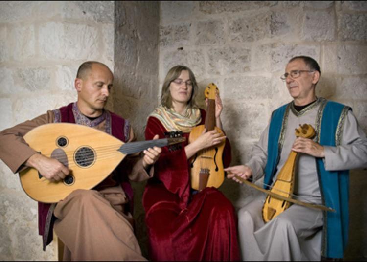 Concert Au Pied De La Tour Du Boujard à Sainte Euphemie