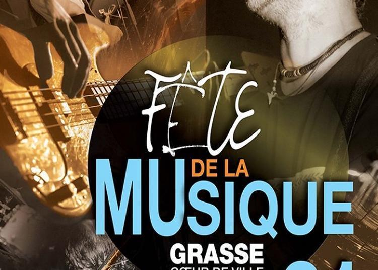 Concert place du petit puys à Grasse