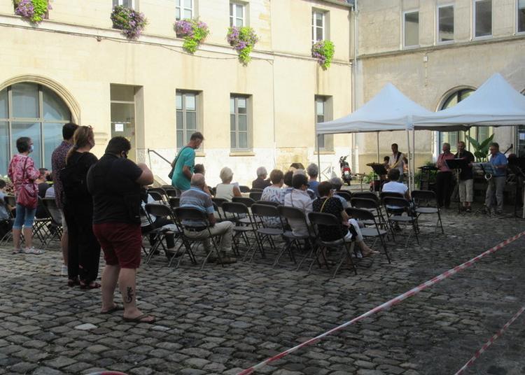 Concerts Dans La Cour De L'hôtel-de-ville à Pontoise