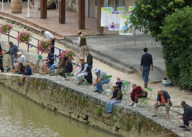 Concours De Pêche Rétro Sur Les Quais De Baïse à Nerac