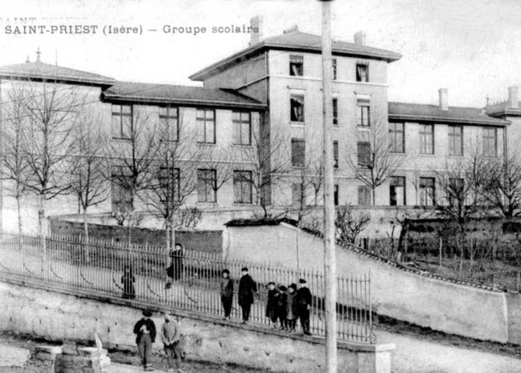 Construire L'école à Saint Priest