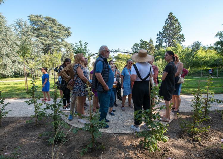 Conversation Au Jardin à Boulogne Billancourt