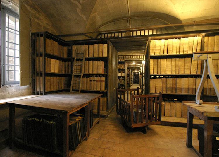 Coulisses Des Archives : Visite Et (re)découverte à Avignon