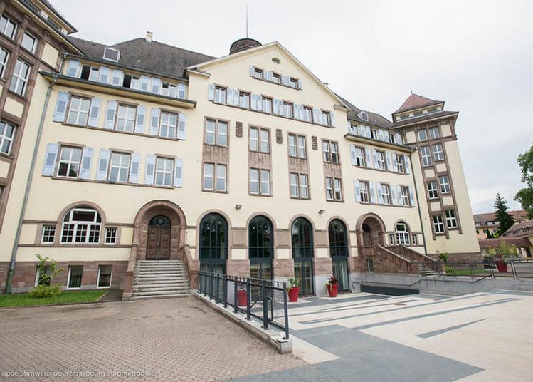 Créations Et Archives à La Salle Des Fêtes Du Foyer ! à Strasbourg