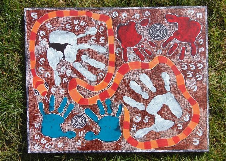 Découverte De L'exposition Art'borigène Sur Des Rythmes Australiens à Peronne