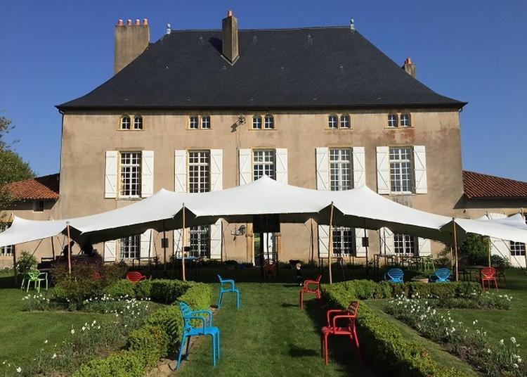 Dans La Vallée De La Canner : Le Château De Hayes
