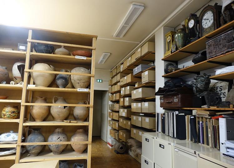 Dans Les Réserves Du Musée - Atelier à Roanne