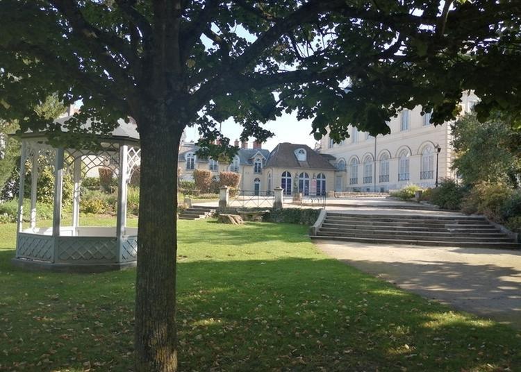 Danse Au Jardin Du Roi De Rome à Rambouillet