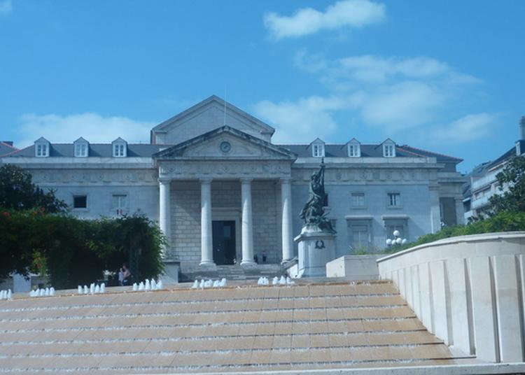 Dansez Au Palais De Justice De Pau