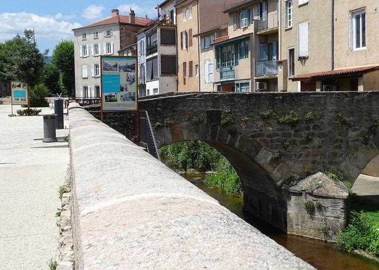 De Pont En Pont, Le Long Des Quais Du Vizézy à Montbrison