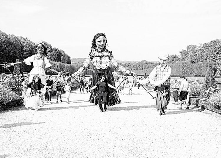 Déambulation De Marionnettes Géantes à Champs sur Marne