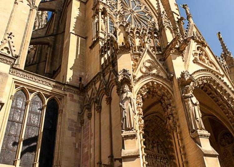 Découverte D'un Édifice, Riche En Vitraux, Érigé Au Début Du Xiiie Siècle à Metz
