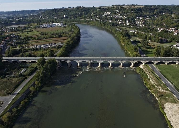 Découverte D'un Tronçon Du Canal De La Garonne à Bord De La Péniche Wakaï à Agen