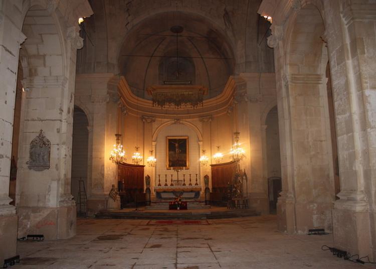 Découverte De L'église à Tarascon