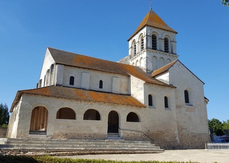 Découverte De L'église D'oyré à Oyre