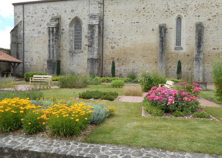 Découverte De L'église Et Du Jardin Du Cloître à Saint Andre sur Sevre