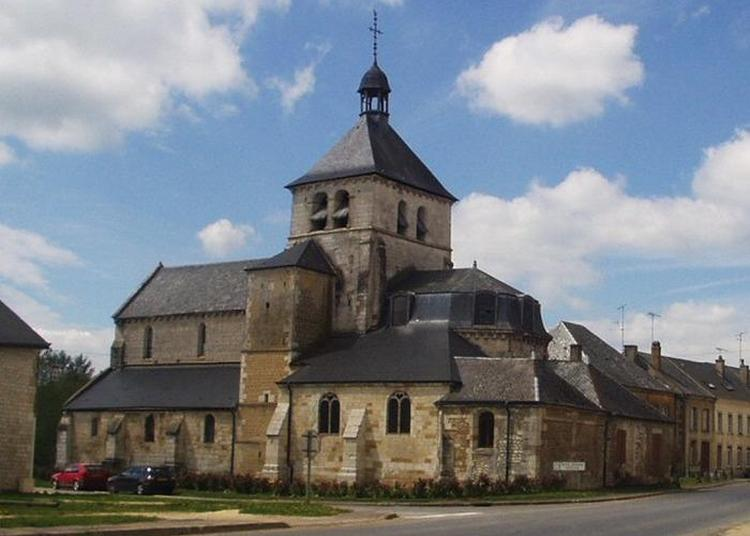 Découverte De L'église Saint-martin De Vendresse