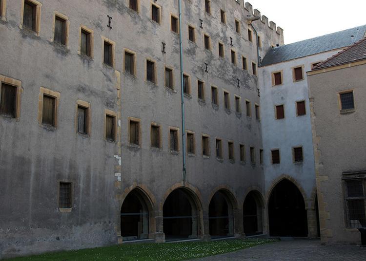 Découverte De L'histoire Du Grenier De Chèvremont à Metz