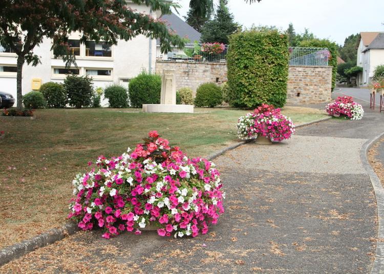 Découverte De La Fontaine Municipale à Saint Sornin Lavolps