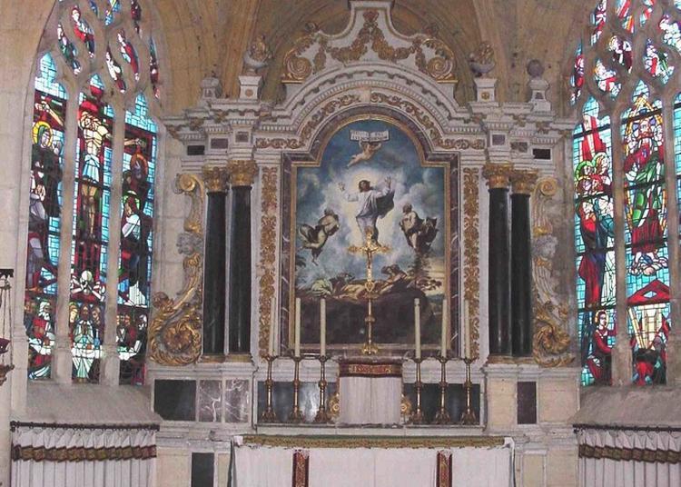 Découverte De Saint-rémi, Un Bel Édifice Gothique à Charbogne