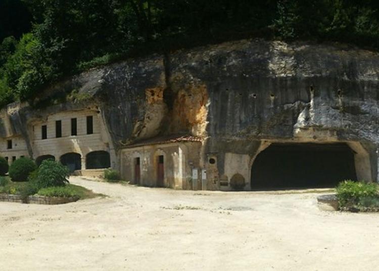 Découverte Des Grottes De L'abbaye De Brantôme à Brantome