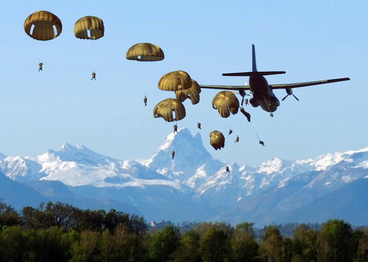 Découverte Du Musée Des Parachutistes à Pau