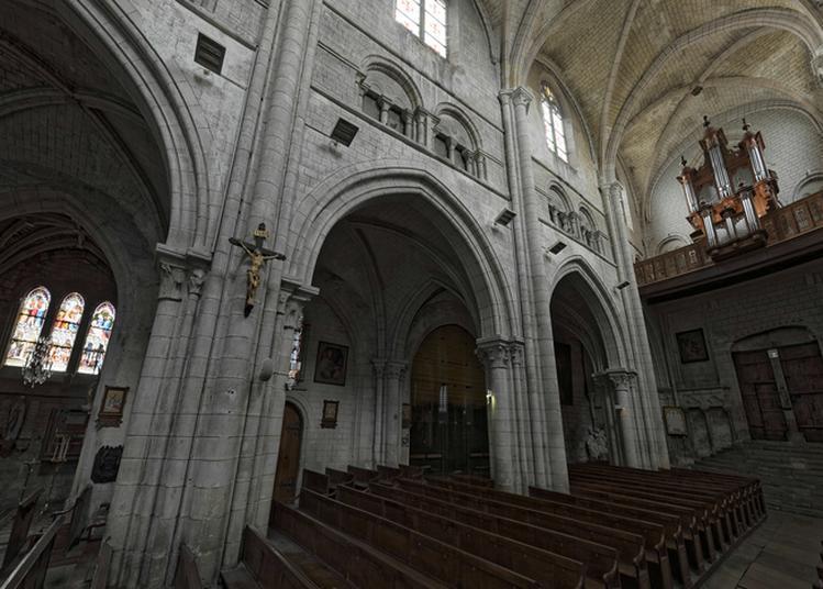 Découverte Libre De L'église De Joinville