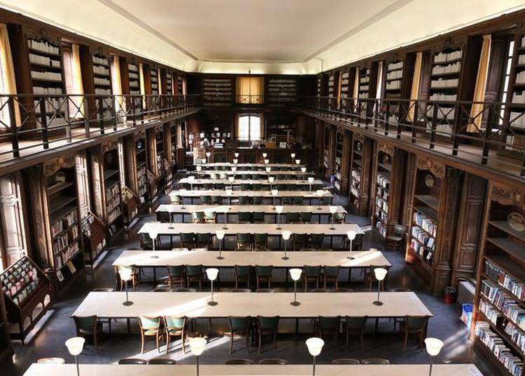 Découvrez La Bibliothèque à Travers Une Visite également Accessible Aux Personnes Malentendantes à Nancy