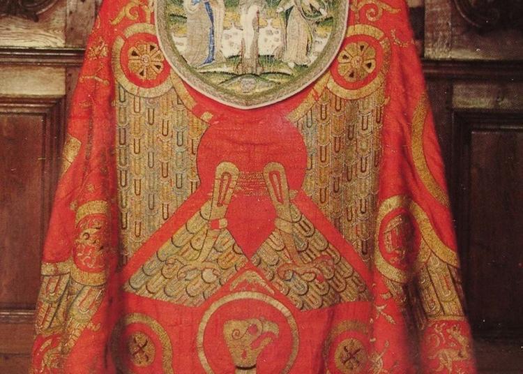 Découvrez La Chape Dite De Charlemagne Et Les Dalmatiques à Metz