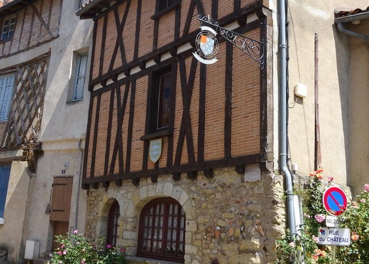 Découvrez La Mairie De La Cité Libre Du Vieux Thouars