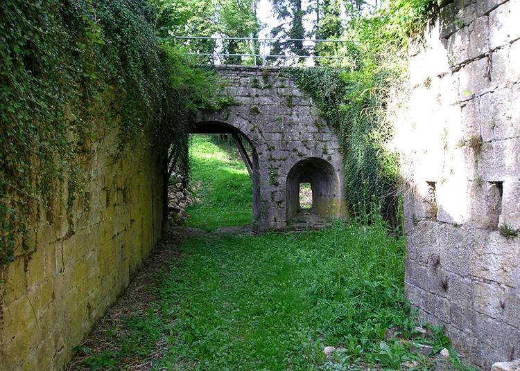 Découvrez Les Vestiges D'une Ancienne Place Forte Lorraine à Soulaucourt sur Mouzon
