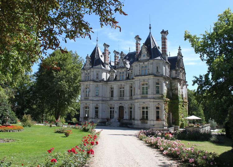 Découvrez Un Château Du XIXe Siècle à L'architecture Exceptionnelle ! à Jarnac