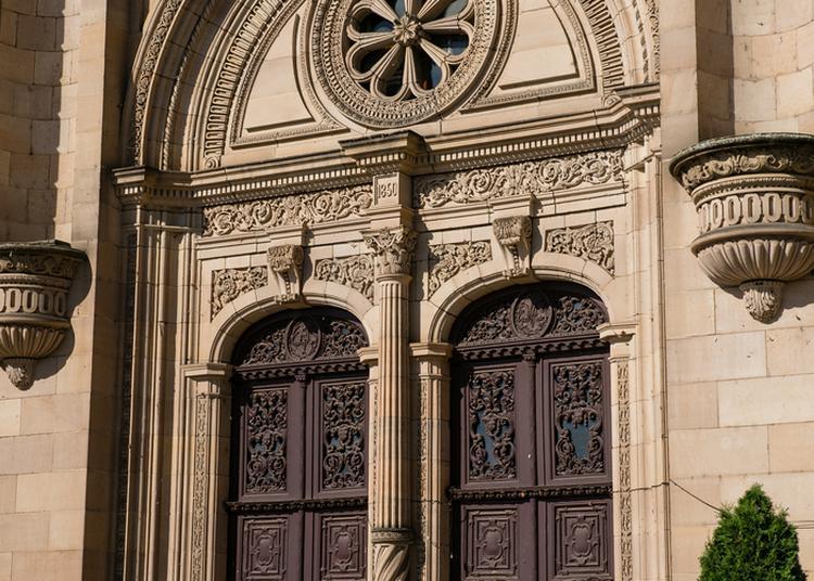 Découvrez Un Chef D'oeuvre D'architecture Néo-renaissance. à Sainte Suzanne