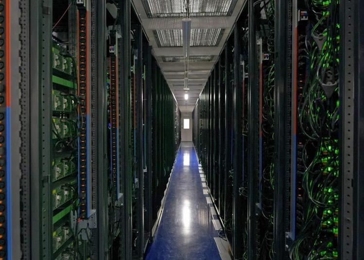 Découvrir La Face Cachée De L'internet : Portes Ouvertes Du Datacenter Dc5, De Scaleway à Saint Ouen l'Aumone