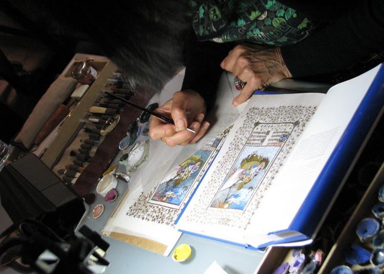 Démonstration D'enluminure Au Musée De L'imprimerie à Lyon